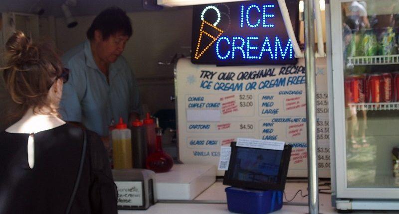 クライストチャーチバニラアイスクリーム屋台