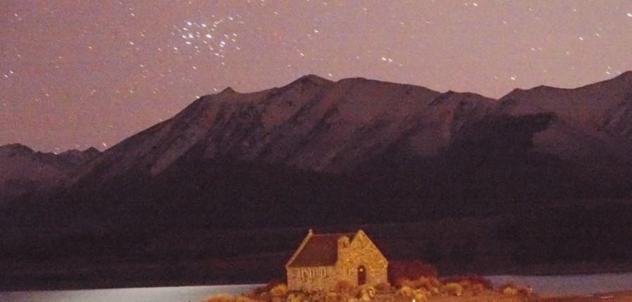 6月新月の早朝テカポ良き羊飼いの教会とマタリキ