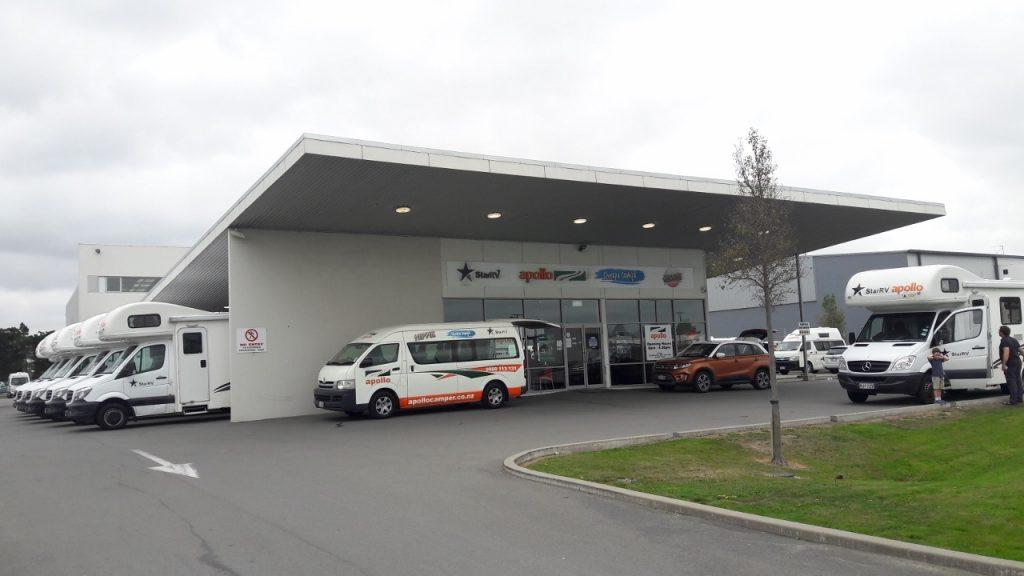 アポロキャンピングカークライストチャーチ空港事務所