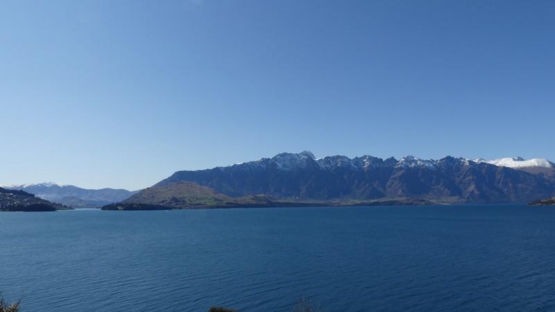 クイーンズタウンリマーカブル山脈とワカティプ湖