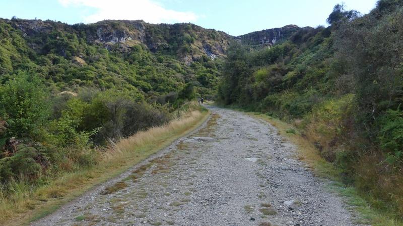 ダイヤモンドレイクへの坂道