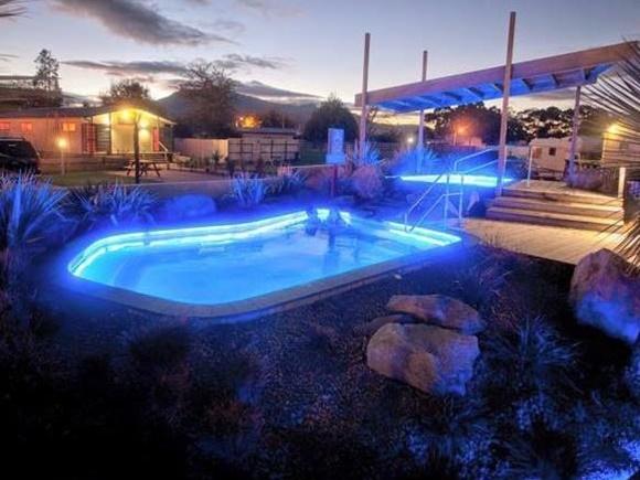ロトルアトップ10ホリデーパークの温泉プール